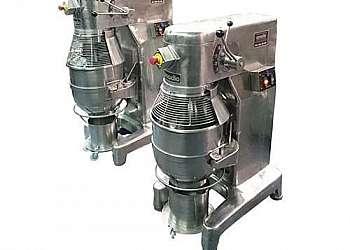 Agitador e misturador para cozinha industrial