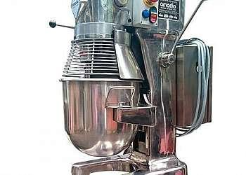 Batedeira planetária 4 litros