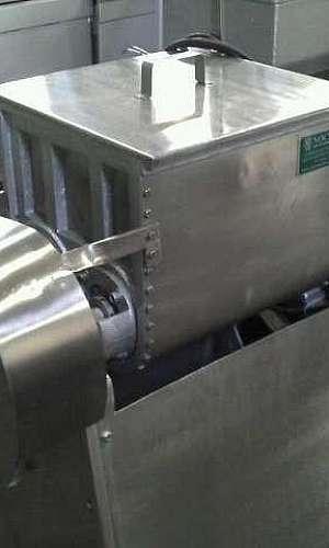 Máquina para misturar massa de pão