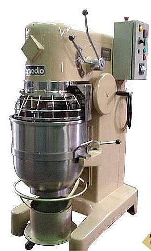 Misturador de massa refratária
